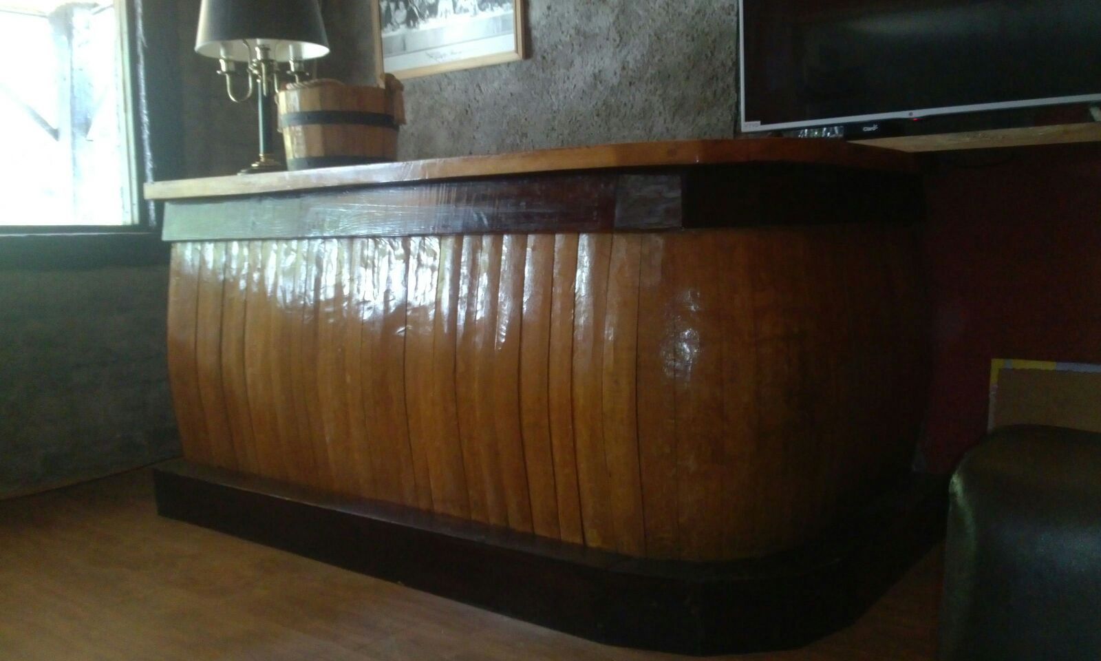 Barriles bar for Bar de madera usado